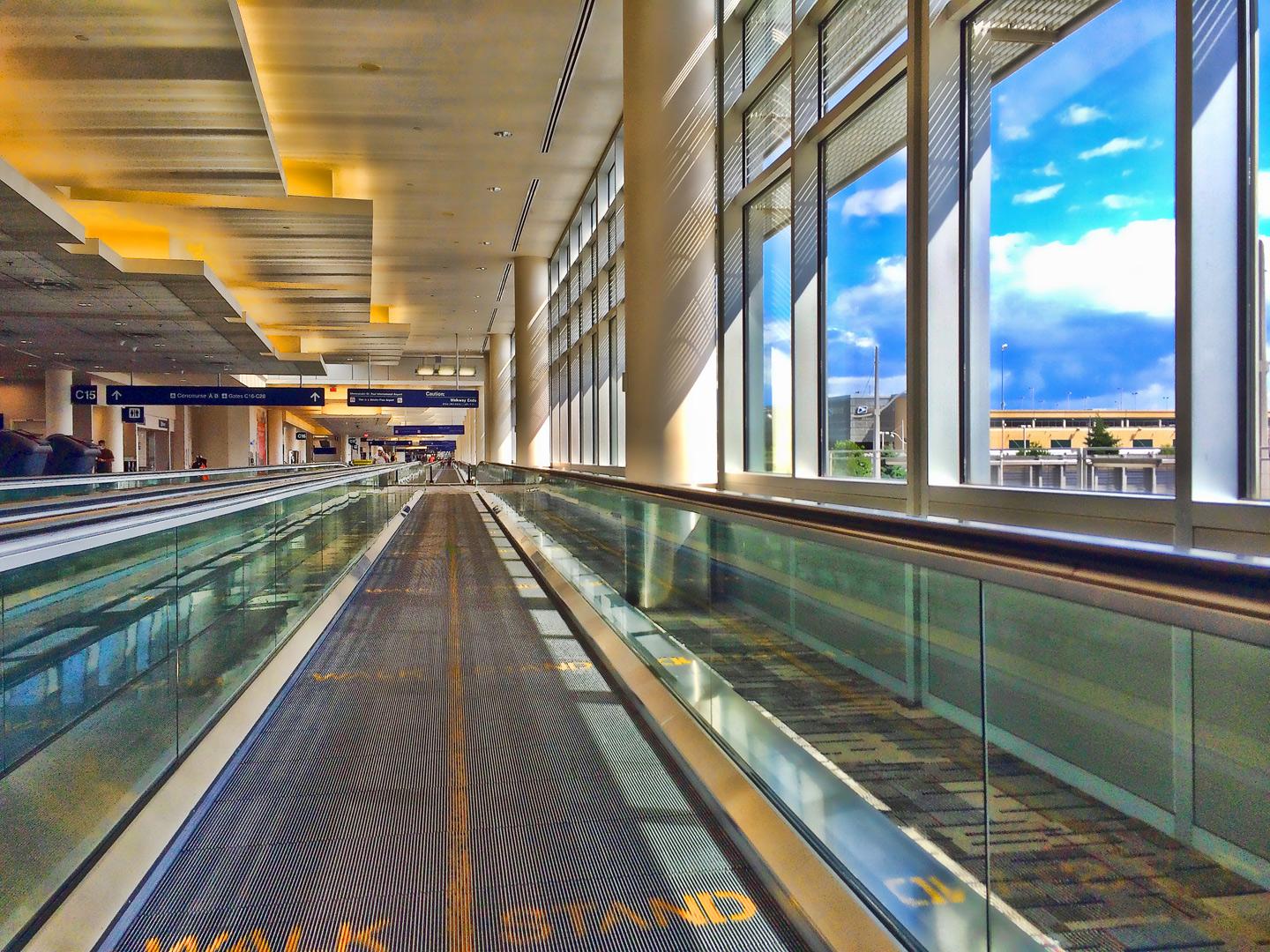St.Paul-Airport-Walkwayweb.jpg